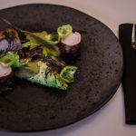 #Wolno gotowany comber z królika / kapusta włoska / kwas chlebowy z żurawiną.